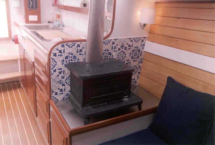 Commuter 36 interior (Wood Stove) - Interiorspage